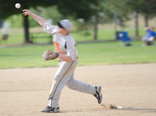 鈴鹿で膝痛を解消するなら【RAINBOW カイロプラクティック】!カイロプラクティックでスポーツ障害からの早期回復をサポート